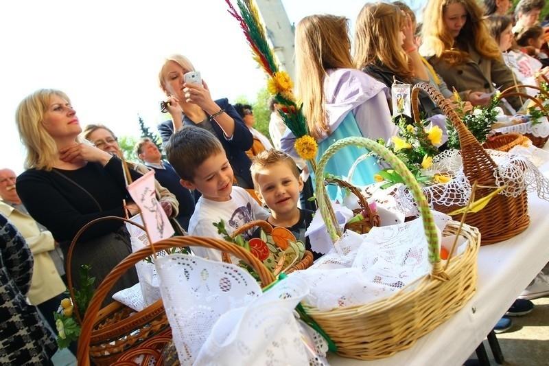 Wielka Sobota: Święcenie pokarmów w Poznaniu
