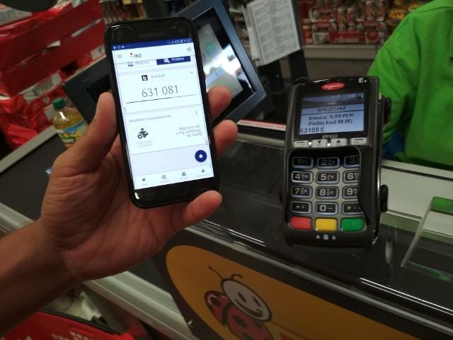 Średnio sklepy sieci odwiedza dziennie blisko 4 mln klientów. Od 17 września br. mogą oni wybrać się na zakupy z telefonem.