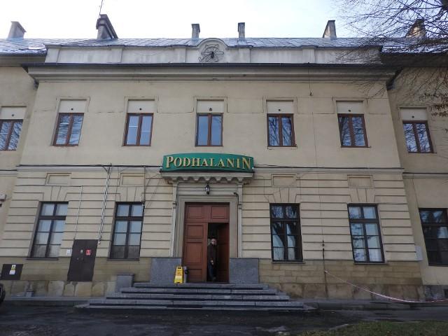 Hotel Podhalanin znajduje się w gmachu wybudowanym w XIX wieku