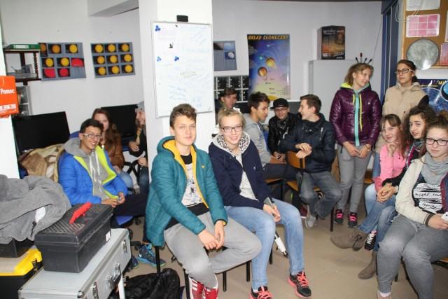 Uczniowie w astrobazie  - to była astronomiczna noc!