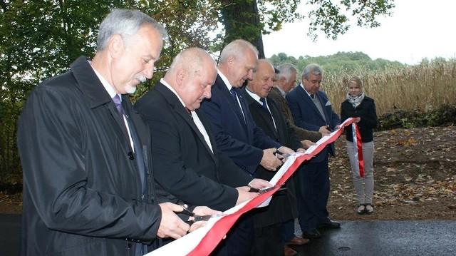Drogi powiatowe w miejscowościach Głusko i Moczele (gmina Dobiegniew) zostały wyremontowane.