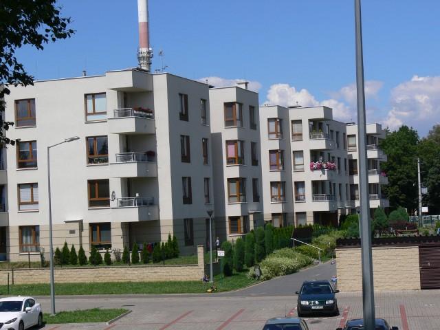 Mieszkańcy osiedla na Hucie w Sandomierzu domagają się dezynfekcji klatek schodowych.