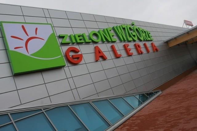 W Galerii Zielone Wzgórze stanowisko Szybkiego PIT-a znajdą na końcu alejki naprzeciw głównego wejścia od ul. Wrocławskiej