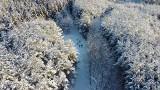 Góra Chełmska w zimowej szacie z lotu ptaka. Jest pięknie! [ZDJĘCIA]