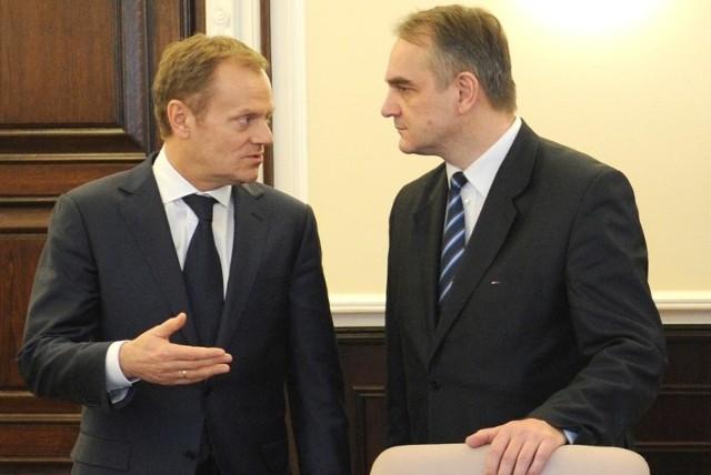 W przededniu studniówki rządu Donalda Tuska pojawiły się też rysy na układzie koalicyjnym PO-PSL.