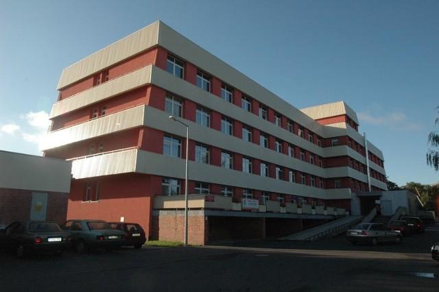 Zapewne już niedługo w tym żagańskim budynku znajdzie się filia żarskiego szpital wojskowego.