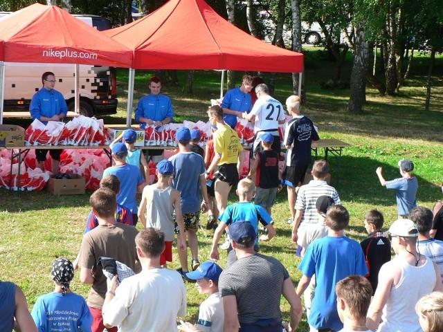 Na mecie, po pokonaniu 3 kilometrów, każdy z uczestników dostał śniadanie sportowca.