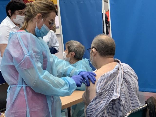 W Olkuszu ruszył pilotażowy punk szczepień masowych w Małopolsce