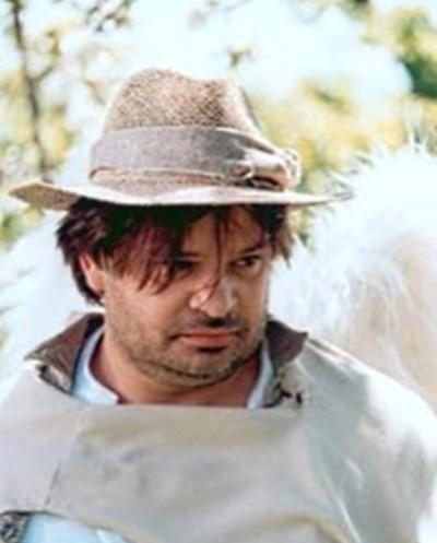 """Krzysztof Globisz jako Giordano w """"Anioł w Krakowie"""" (2002). – Ludzi o takiej konstrukcji psychicznej jak Giordano pamiętam ze wsi pod Krapkowicami, gdzie często jeździłem z rodzicami podczas wakacji."""