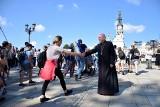 Pielgrzymi z diecezji sandomierskiej weszli na Jasną Górę. Była uroczysta msza w Kaplicy Cudownego Obrazu [ZDJĘCIA]