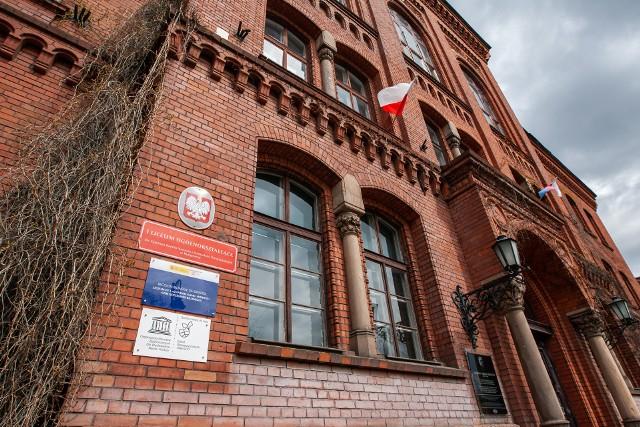 - Wpłaty na Radę Rodziców są dobrowolne. W naszej szkole nikt nikogo nie zmusza do ich dokonywania - zapewnia Mariola Mańkowska, dyrektor I LO w Bydgoszczy.