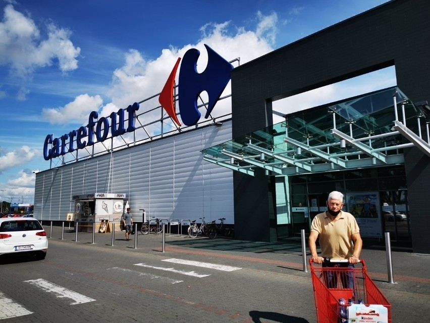 CARREFOUR...