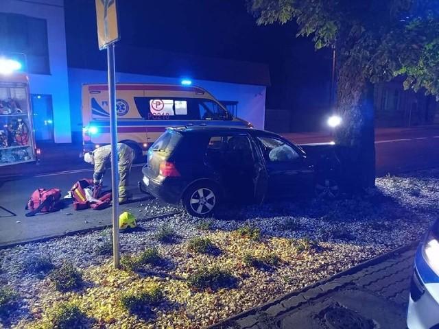 W pojeździe w chwili wypadku znajdowały się trzy osoby