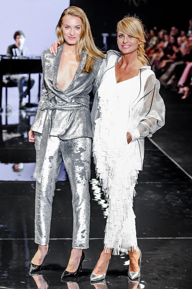 Aneta Kręglicka, która jest ambasadorem Badury, zaprojektowała trzecią już kolekcję marki. Badura Icons jest limitowaną linią, którą była Miss Świata stworzyła razem z modelką Anną Jagodzińską.
