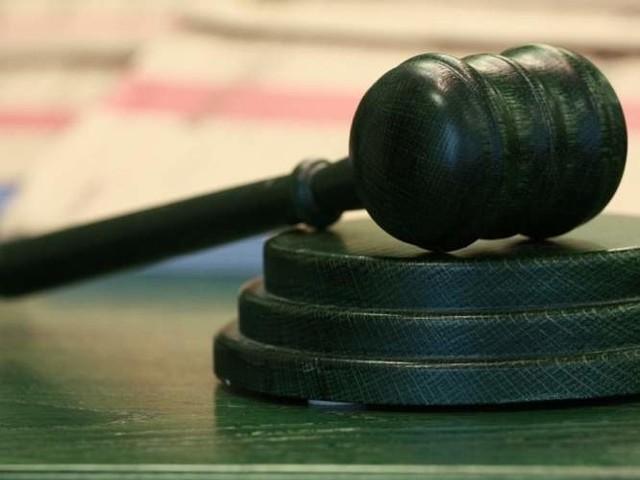 Zarzuty prokuratury dotyczą sierpnia i września 2013 roku, a także marca ubiegłego roku