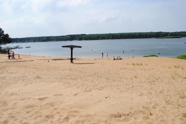 Jakoś łyso wygląda kąpielisko w Pieczyskach bez pomostów...