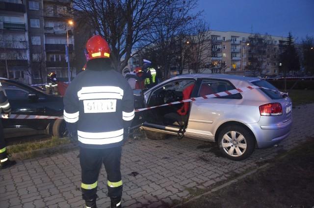 Do tragicznego zdarzenia doszło w Pabianicach na ul. Waltera-Jankego. WIĘCEJ CZYTAJ NA KOLEJNYM ZDJĘCIU.