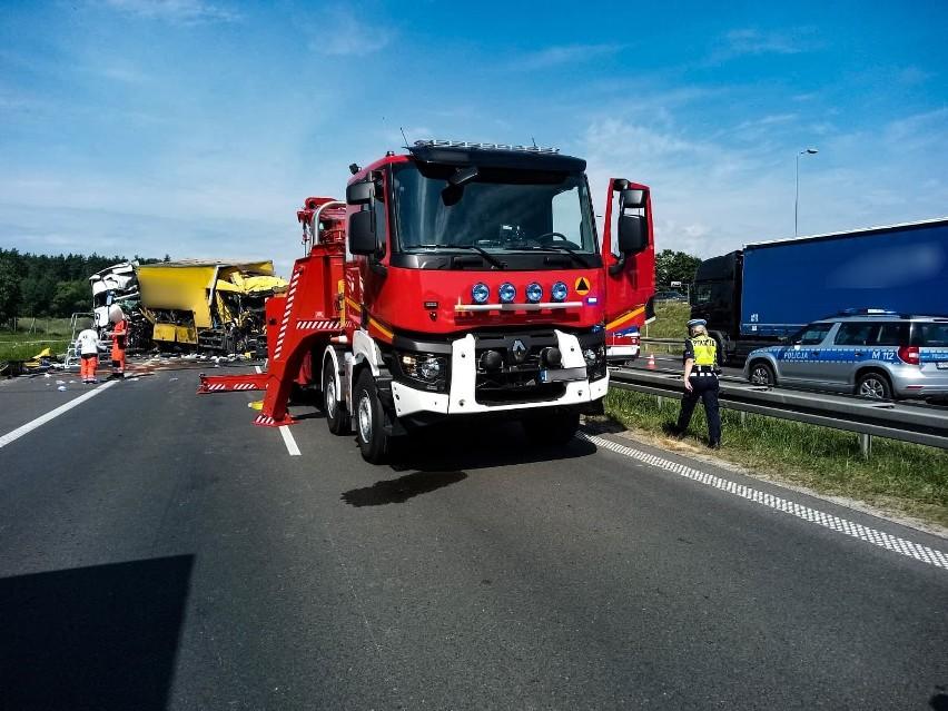 Łyski. Wypadek śmiertelny na S8 zablokował wjazd do...