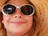 Okulary przeciwsłoneczne dla dzieci. Zdrowe czy szkodliwe?