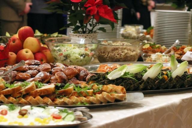 Możemy zapakować nasze potrawy gościom po wspólnie spędzonych świętach, spotkać się poświątecznie z sąsiadami, czy też poczęstować innych.