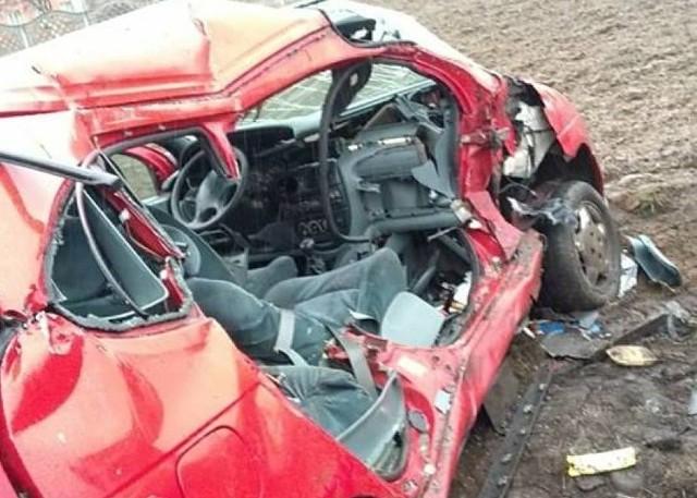 W wypadku zginęła kobieta jadąca na miejscu dla pasażera.