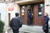 Wrocław: Alarm bombowy w sądach. Policja musi przeszukać wszystkie budynki