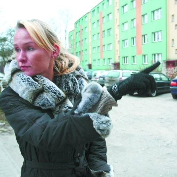 Kierowcy bardziej boją się kontrolerów płatnej strefy parkowania niż straży miejskiej - mówi pani Renata Woroszyło