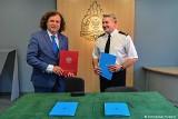 """160 tys. zł trafi w tym roku z budżetu miasta do sopockich strażaków. """"Warto wspierać ich pełną ofiarności służbę na rzecz mieszkańców"""""""