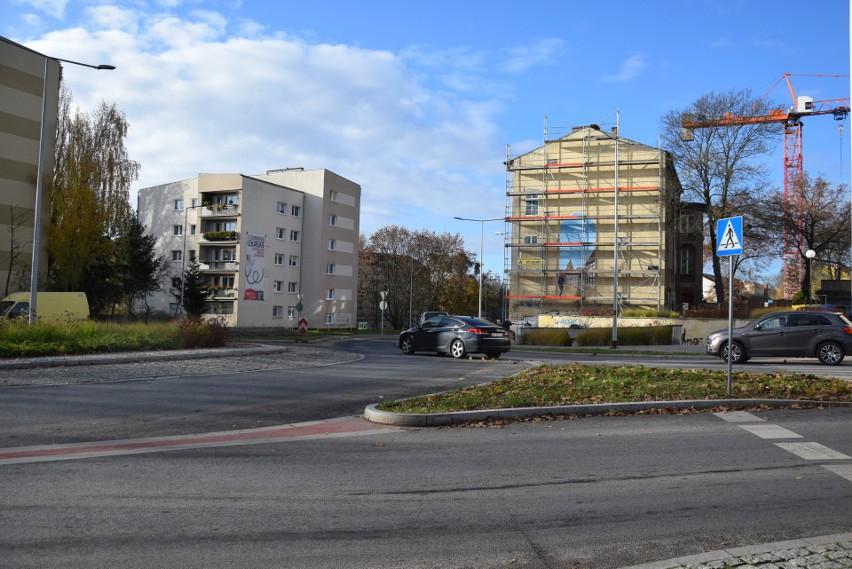 Mural trójwymiarowy powstaje na ścianie kamienicy przy ul....