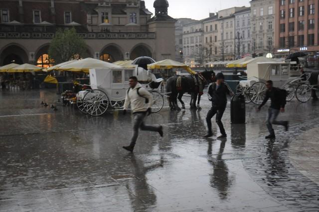 IMGW: mogą wystąpić burze z gradem w Krakowie i okolicach