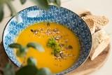 Zupa z dyni. Jak przygotować idealną w smaku zupę dyniową? Są na to specjalne receptury. Poznajcie PRZEPIS NA ZUPĘ Z DYNI