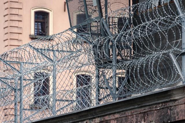 Od początku epidemii wprowadzono zakazy odwiedzin w więzieniach