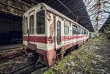 Cmentarzysko pociągów w Bytomiu wygląda jak z horroru. To opuszczone Warsztaty Naprawcze Górnośląskich Kolei Wąskotorowych