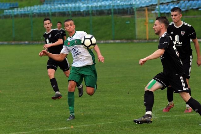 Rozgrywki sezonu 2019/2020 zespół BKS-u Bochnia (w czarnych koszulkach) zakończył na 8. miejscu, notując na koncie siedem zwycięstw, cztery remisy i pięć porażek