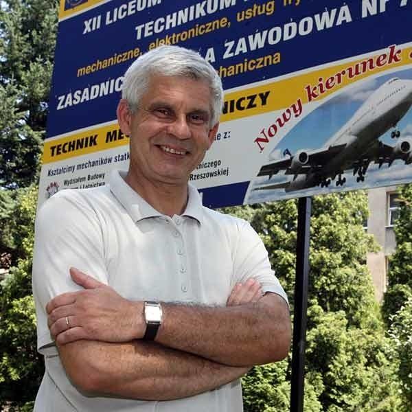 - Liczymy na ok. 7 mln zł dofinansowania z Unii. Za te pieniądze stworzymy nowoczesną bazę dydaktyczną - mówi Mariusz Kapica, dyrektor Zespołu Szkół Mechanicznych w Rzeszowie.
