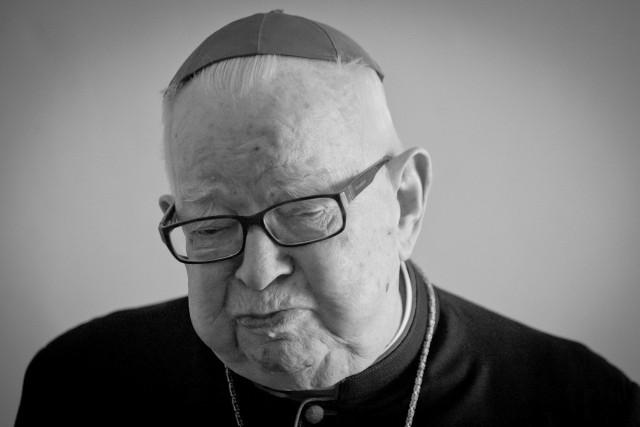 Kardynał Henryk Gulbinowicz zmarł 16 listopada 2020 roku