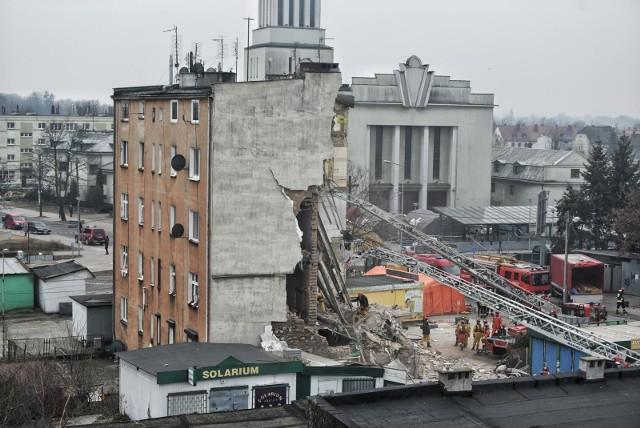 Do wybuchu w kamienicy na Dębcu w Poznaniu doszło w godzinach porannych, 4 marca 2018 r.