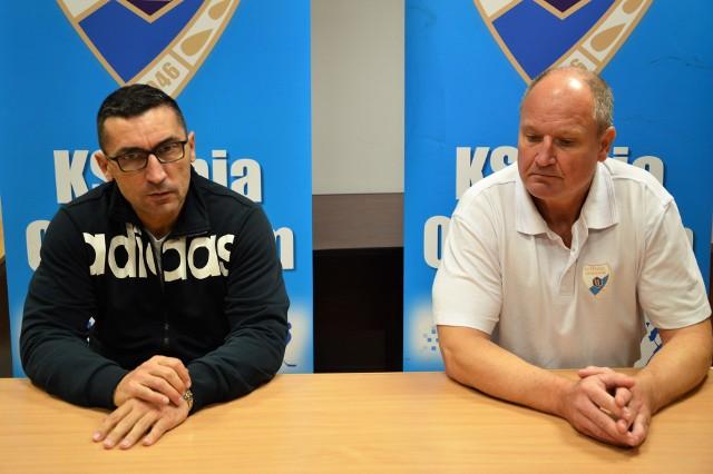 Robert Kalaber (trener JKH Jastrzębie z lewej) i Josef Dobosz (trener Unii Oświęcim)
