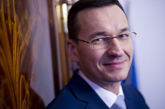 Mateusz Morawiecki- najbogatszy minister w PolsceWicepremier i minister rozwoju w rządzie PiS, Mateusz Morawiecki, przez 11 lat pracy dla banku, gdzie jednocześnie był członkiem zarządu, zarobił 33,5 mln złotych brutto