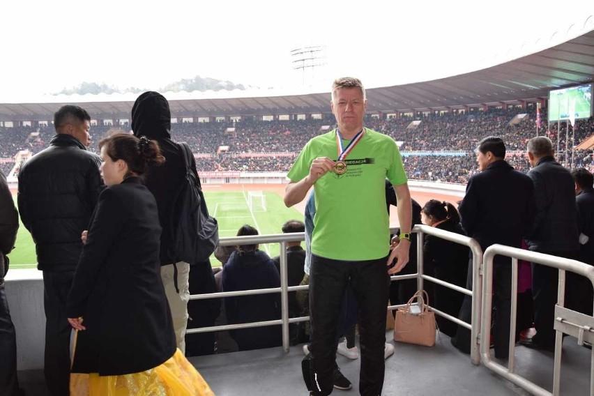 Profesor Zygmunt Waśkowski ukończył już 23 maratony. Ten...