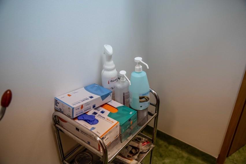 Koronawirus w Polsce i w województwie podlaskim. 8 427 nowych zakażeń w kraju i 164 w regionie. Zmarło 541 osób (29.04.2021)