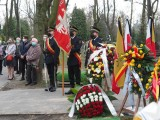 """Ostatnia droga Marka Czekalskiego. Pogrzeb prezydenta Marka Czekalskiego na łódzkim cmentarzu Doły """"Po tym ciosie się nie podniósł"""""""