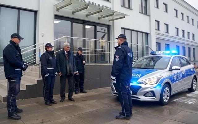 Nowe radiowozy pojawiły się na drogach powiatu będzińskiego w środę 19 grudnia
