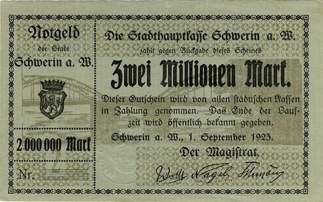 Tzw. notgeldy nazywane były pieniędzmi zastępczymi, lub niby pieniędzmi. Miały ratować mieszkańców przed inflacją, szalejąca w ostatnich latach wojny i już po jej zakończeniu. Utrzymanie ich realnej wartości gwarantowały lokalne władze, lub firmy. Pierwsze nibypieniądze pojawiły się w Niemczech już w 1914 r. Pod koniec pierwszej wojny wydawały je gminy, powiaty, firmy i stowarzyszenia.