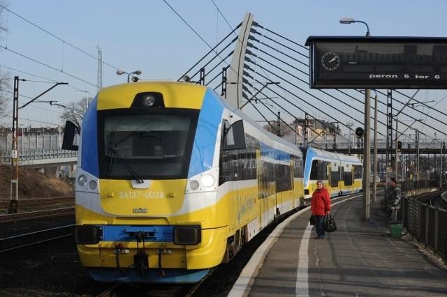Największe cięcia dotkną linii Opole - Częstochowa, bo od 1 czerwca żaden skład Przewozów Regionalnych nie będzie na niej jeździł.