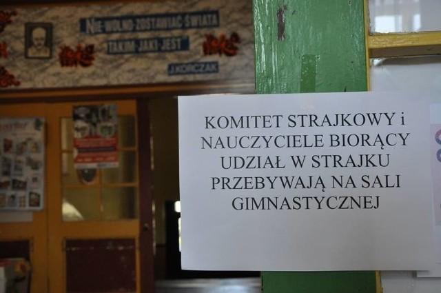 W Kluczborku Do Strajku Przystąpiły Wszystkie Szkoły Gmina