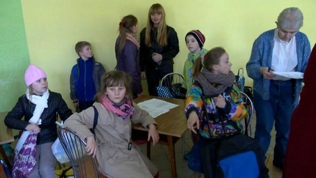 Polskie rodziny otwierają swoje domy. 40 dzieci z Litwy przyjechało na święta (WIDEO)Polskie rodziny otwierają swoje domy. 40 dzieci z Litwy przyjechało na święta (WIDEO)