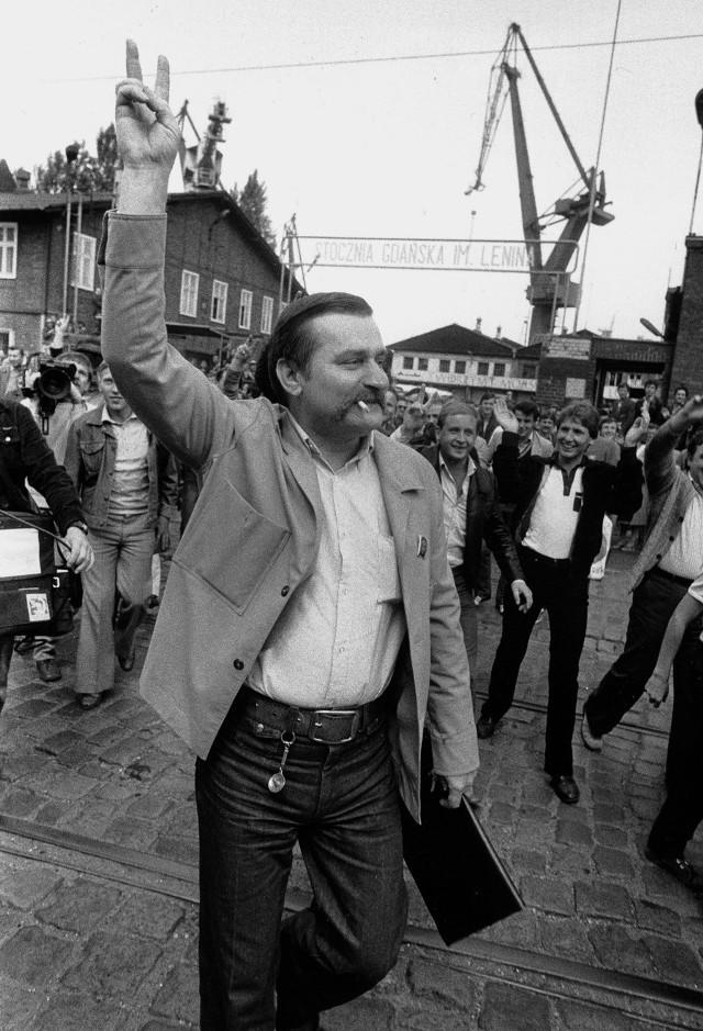 Stłucz Pan termometr, nie będziesz miał Pan gorączki - powiedział  Lech Wałęsa w 1990 roku, ogłaszając rozpoczęcie wojny na górze. Wojny, która pokazała nam dobitnie, że Solidarność nigdy nie była monolitem
