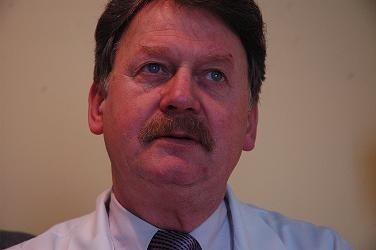 ANDRZEJ ROZMIAREK jest szefem Lubuskiego Ośrodka Onkologicznego w Zielonej Górze i wojewódzkim konsultantem ds. onkologii