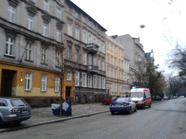 Trzy osoby podtruły się czasem przy ul. Matejki